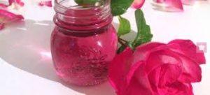 proprietà ed usi dell'acqua di rose